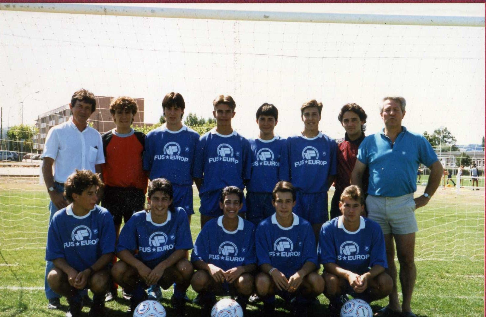 Juniors 1988 89